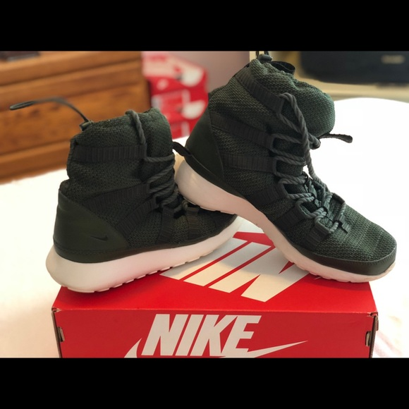 best service f859b 34794 Women s 8.5 roshe one hi boot (807424-300). M 5b83183c1070ee4c4011e352